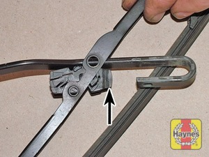 Illustration of step:  To remove a windscreen wiper blade, pull the arm fully away from the glass until it locks - step 7