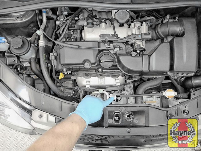 kia picanto (2004 2011) 1 1 checking coolant level haynes kia carens illustration of step the coolant reservoir is located here step 2