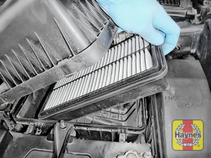 Illustration of step:  Lift out the air filter - step 4
