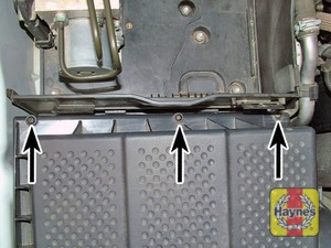Illustration of step:  … and 3 screws at the rear edge (arrowed)  - step 3