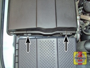 Illustration of step:  Release the clips and remove the plastic cover from the right-hand side of the engine compartment - Safety first! - step 27