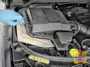 Illustration of step: Now, carefully lift away the top of the air filter box - step 3