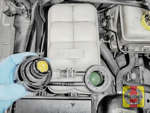 Illustration of step: ONLY WHEN COLD! - Undo the cap to add more coolant - step 4