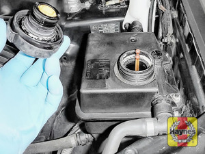 Illustration of step: ONLY WHEN COLD! - Undo the cap, look at the float position to determine coolant level - step 2
