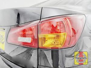 Illustration of step: Check the rear light cluster: brake, fog and indicators  - step 3