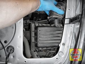 Illustration of step: Release the air intake - step 10