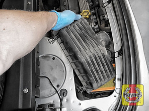 Illustration of step: Carefully lift away the air filter box - step 11