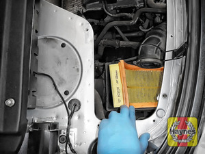 Illustration of step:  Lift out the air filter - step 14