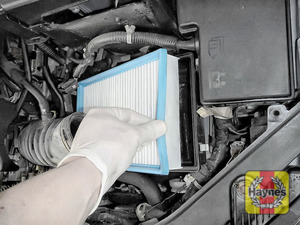 Illustration of step:  Lift out the air filter - step 13
