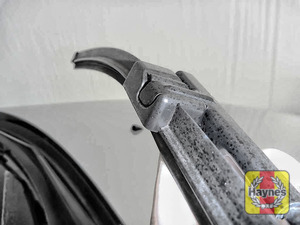 Illustration of step: Check condition of the wiper blades, any cracking or fraying indicates replacement is required - step 5