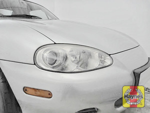 Illustration of step: Check front lights, main, dipped beam and indicators - step 1
