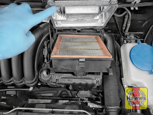 Illustration of step:  Lift out the air filter - step 5