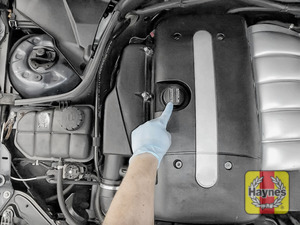 Illustration of step: The oil level is electronic and should be checked via the dashboard - step 1