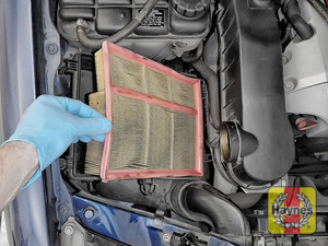 Illustration of step:  Now lift out the air filter - step 8