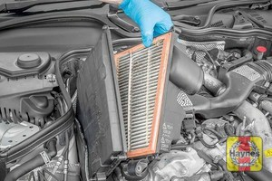 Illustration of step: release the air filter cover - step 8
