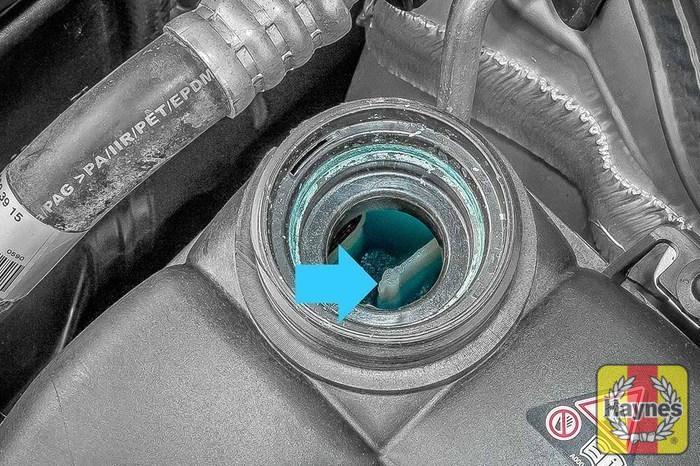 Mercedes benz e class 2002 2010 e320 cdi 3 2 for Mercedes benz check coolant level