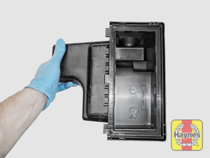 Illustration of step: View of air filter cover - step 6