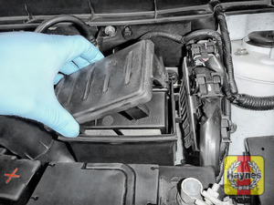 Illustration of step: Carefully lift the air filter cover - step 3