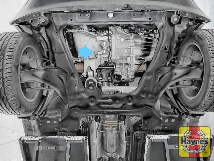 nissan juke 2010 2017 1 5 dci oil change haynes publishing rh haynes com BMW OEM Oil Filter BMW Oil Filter Location