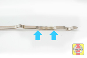 Illustration of step: Look at the end of the dipstick - step 4