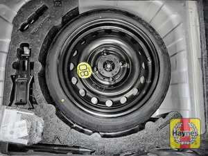 Illustration of step: Finally, check the condition of the spare wheel/emergency tyre repair system - step 13