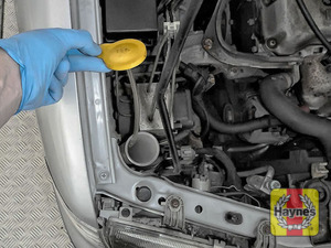 Illustration of step: Undo the screen wash filler cap - step 2