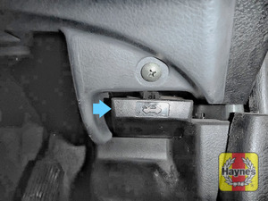 Illustration of step: You will find the bonnet lever here - step 1