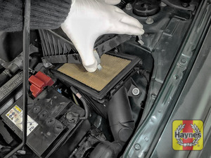 Illustration of step: Carefully lift the air filter box and remove the air filter for inspection - step 3