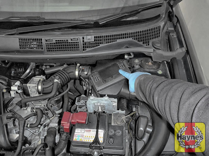 Watermarked Large Slide Image on Nissan An Fuel Filter Location