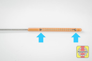 Illustration of step: Look at the end of the dipstick - step 3