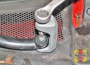 Illustration of step:  If the wiper arm is tight on the spindle, use a puller  - 1.6 litre engines - step 13
