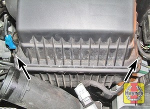 Illustration of step:  Undo the air filter cover screws, lift off the cover  - 2.0 litre engines - step 23