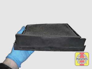 Illustration of step: View of the air filter cartridge - step 4