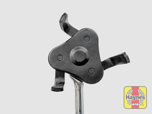 Illustration of step: We recommend this 3 Jaw wrench to undo the oil filter on this model - step 11
