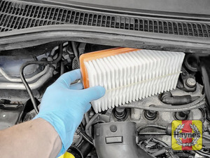 Illustration of step:  Lift out the air filter - step 7