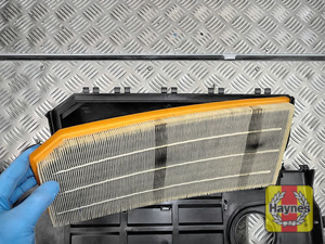 Illustration of step:  Lift out the air filter - step 11