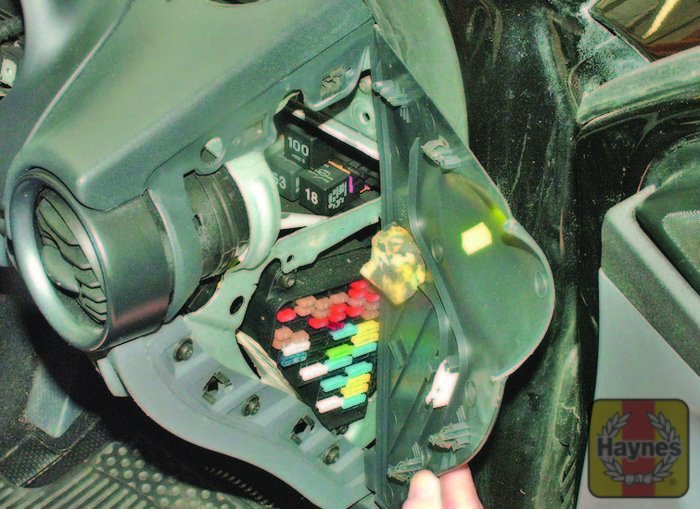 How To Access Fuse Box On Seat Ibiza : Seat ibiza fusebox and diagnostic