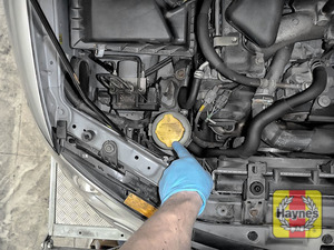 Illustration of step: When finished, replace cap securely and refit the air intake - step 5