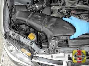 Illustration of step: Now you can remove the air intake and access the steering fluid reservoir - step 6