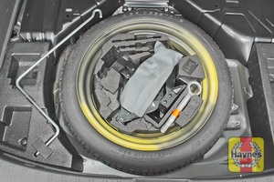 Illustration of step: Finally, check the condition of the spare wheel / emergency tyre repair system - step 10