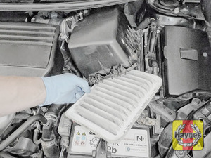 Illustration of step: Carefully open the air filter box and remove fiter - step 3