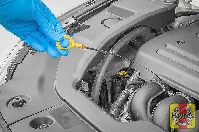 Toyota Avensis (2003 - 2010) 1.8 VVT-i - Oil filter change - Haynes ...