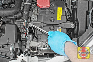 Illustration of step: Tighten if required, a 10mm socket or spanner is needed - step 7