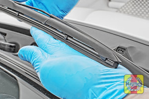 Illustration of step: Check condition of the wiper blades - step 7