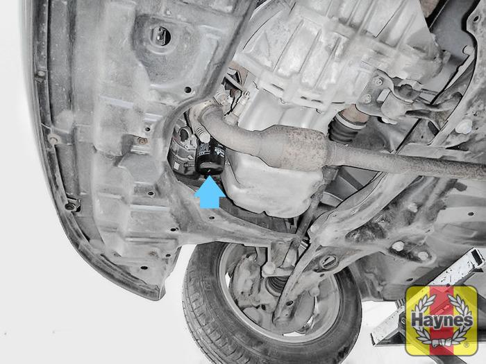Toyota Yaris (2009 - 2011) 1.3 - Oil filter change - Haynes Publishing