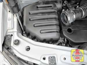 Illustration of step: Undo the 4 8mm retaining bolts on the air filter body - step 4