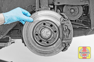 Illustration of step: Check condition of the brake discs - step 6