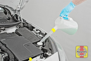 Illustration of step: Top up with screen wash and replace the cap securely - step 3