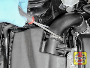 Illustration of step: Undo the circular clip on the air intake - use a 7mm socket or a screwdriver - step 3