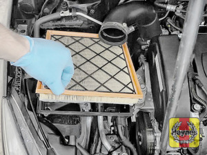 Illustration of step:  Lift out the air filter - step 9